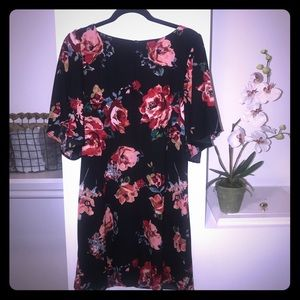 Everly Navy Floral Dress